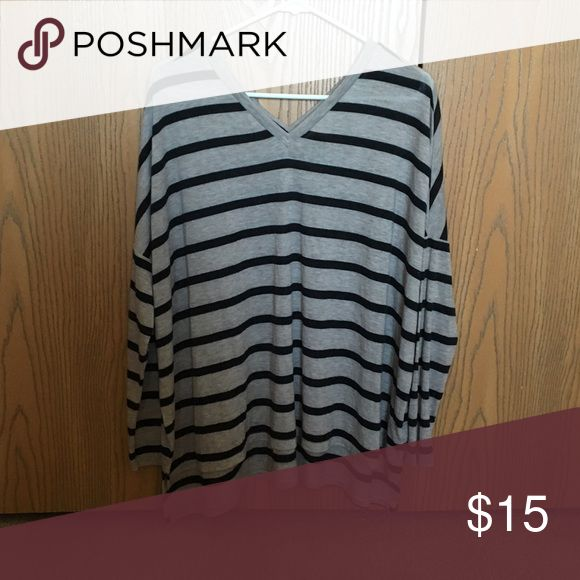 Express OneEleven striped slouchy top This an Express OneEleven striped slouchy double v-neck top. Perfect with jeans or leggings! In excellent condition. Express Tops Tunics