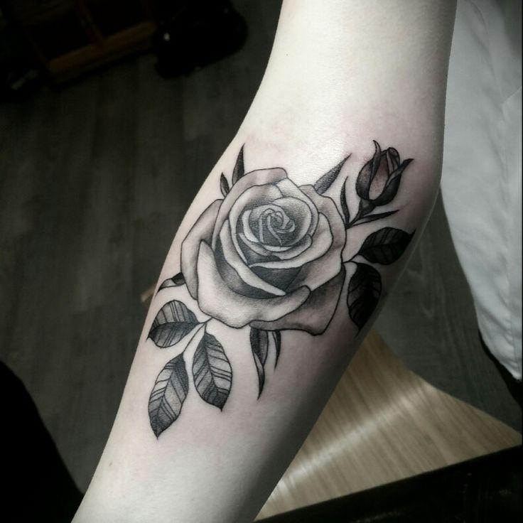 Les 137 meilleures images du tableau tatouage by punky sur pinterest tatouages tatouages - Tatouage rose avec tige ...