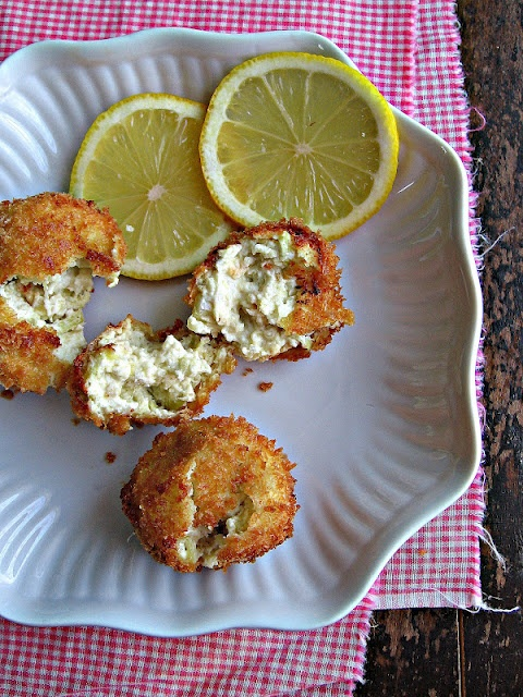 Spinach Artichoke Poppers....sounds yummy!!