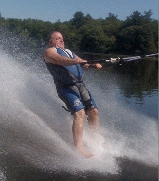 Learn To Barefoot Water Ski Without Falling Barefoot Water Skiing Water Skiing Wakeboarding