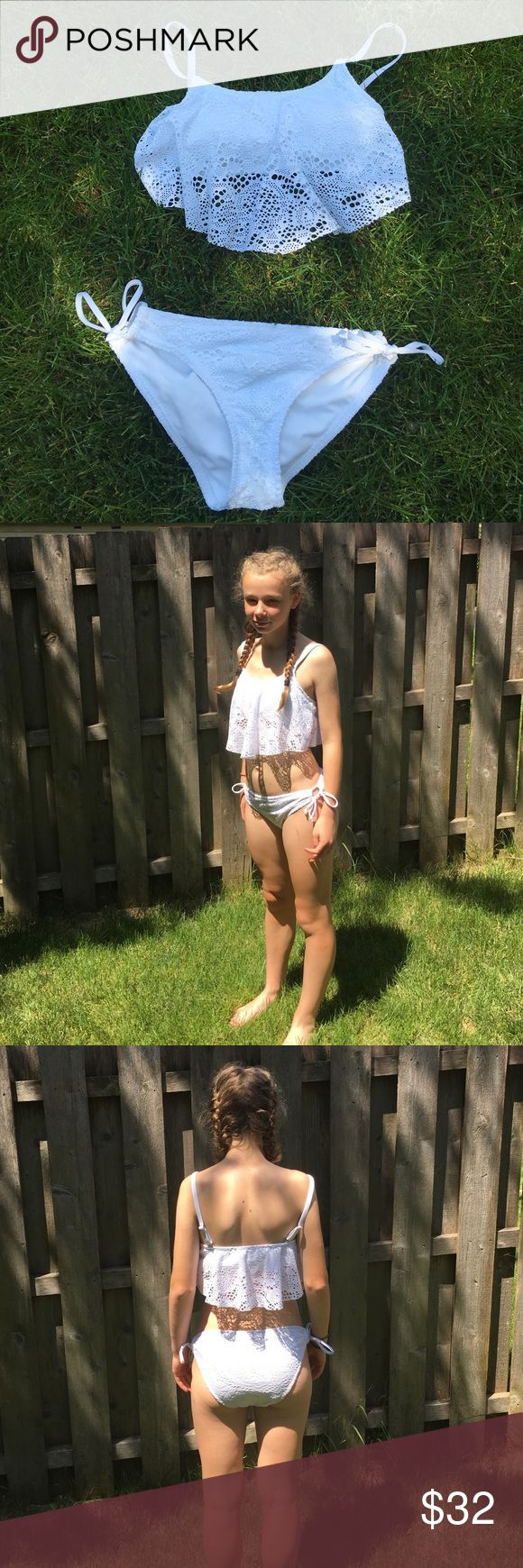 Mossimo Target juniors crochet flutter Bikini S This is an adorable white crochet flounce bikini from Mossimo (Target). It was only worn once to a pool party. Size juniors small but fits a 14-16 XL and kids 10-12 M as well. Mossimo Supply Co. Swim Bikinis