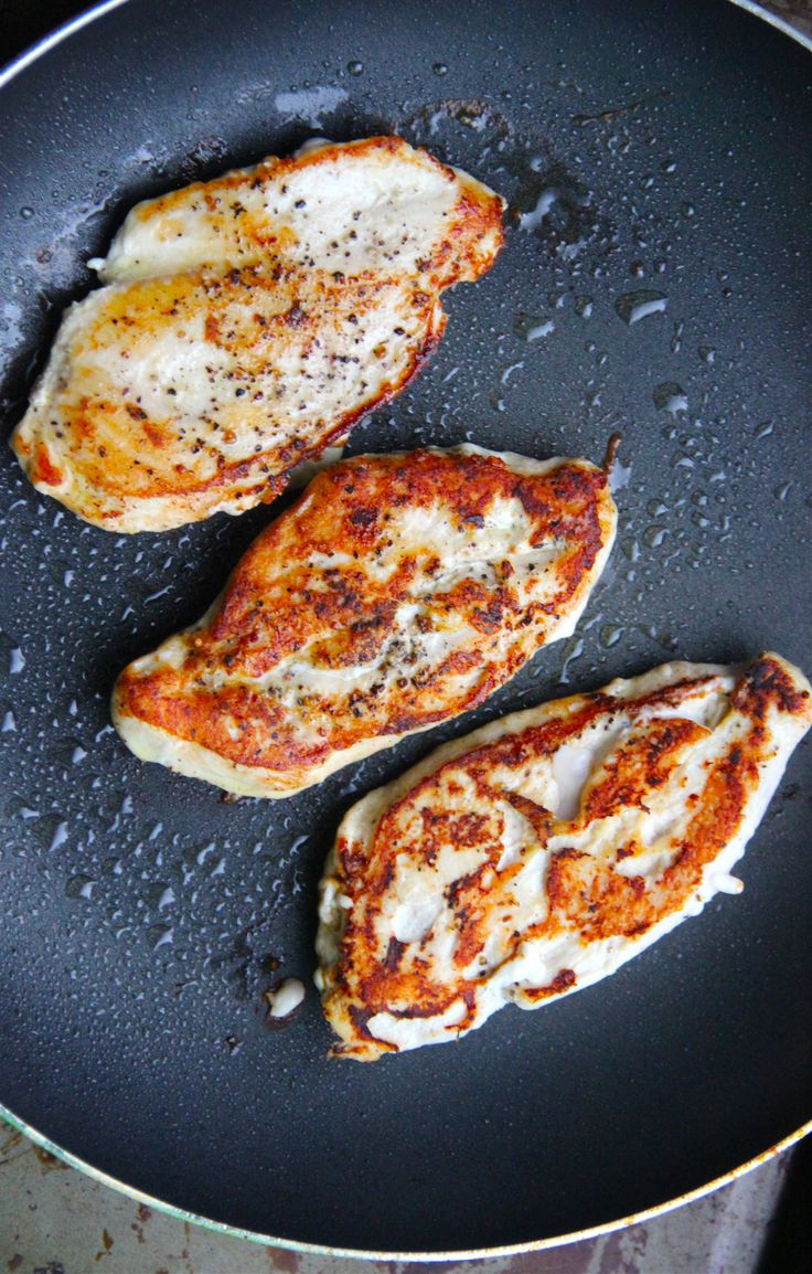 How to make the JUICIEST chicken breasts in a skillet