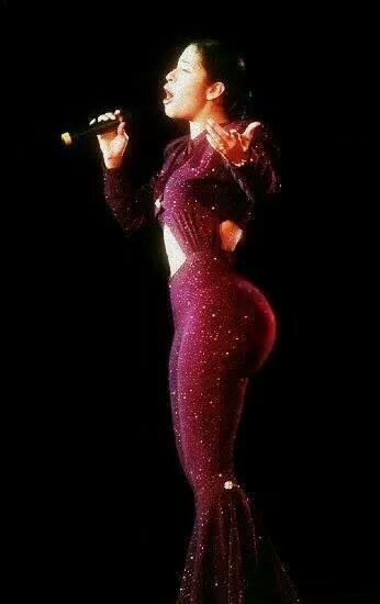 Selena Quintanilla will always win. Descansa en paz reina