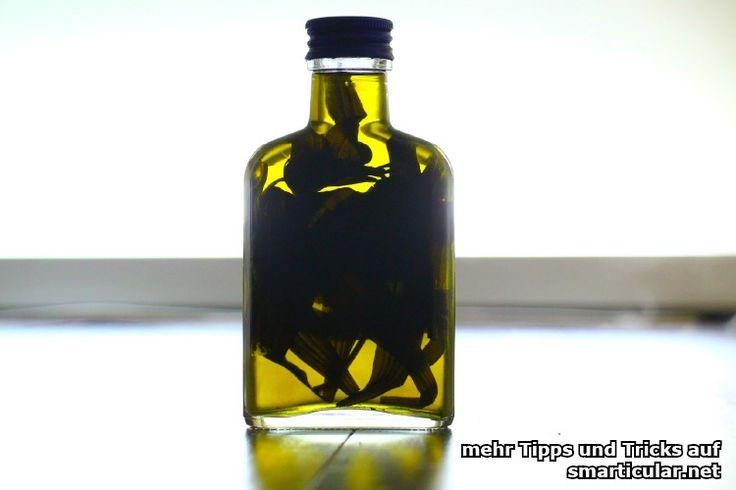 Tinkturen selber machen: Heilkräuter in Flaschen abgefüllt
