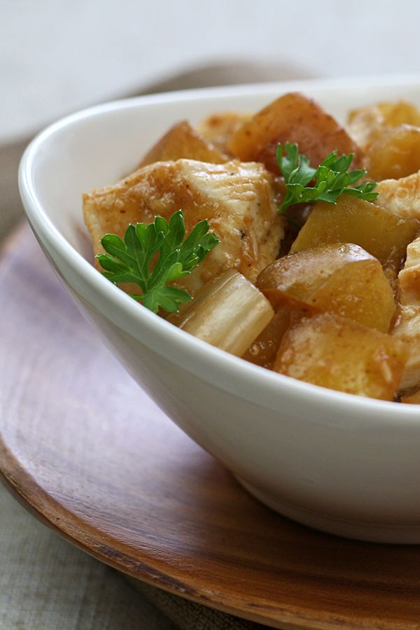Sweet Apple BBQ Chicken! Get your sweet 'n savory on BIGTIME with this saucy, slow-cooked chicken...