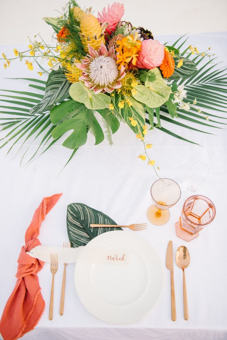 Hula on over to this tropical Maui wedding because it is STOCKED with seaside we…