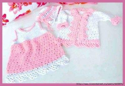 Озорные петельки: Платье,жакет и шапочка из белой и розовой пряжи