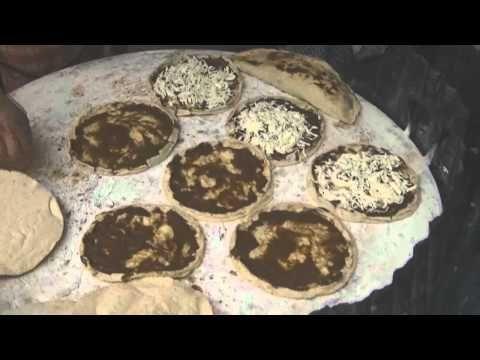 CHUCHEMAN visitando oaxaca y probando sus platillos tipicos - YouTube