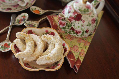 Cornulețe fragede cu nuci și vanilie