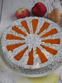 Barackos mákos torta Zila formábannagyon szeretem  a mákot  és  elkészíttem Anita receptje alapján egy pici változtatással,mert csak ilyen zila formám van.Hozzávalók: 12 szelethez