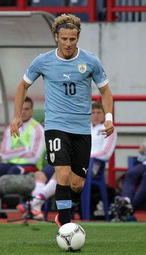 Sudafrica 2010-Diego Forlán (Uruguay) gana Balón de Oro como mejor jugador