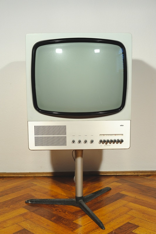 The Braun FS 80 Television; still looking cool! Repinned by www.gorara.com