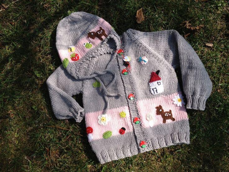 """Bilderbuchgarnitur """"Sonntagsausflug""""! Handgestrickte Babyjacke mit passender Mütze ! Mit sehr viel Liebe und Sorgfalt gearbeitet ! Wie ein..."""