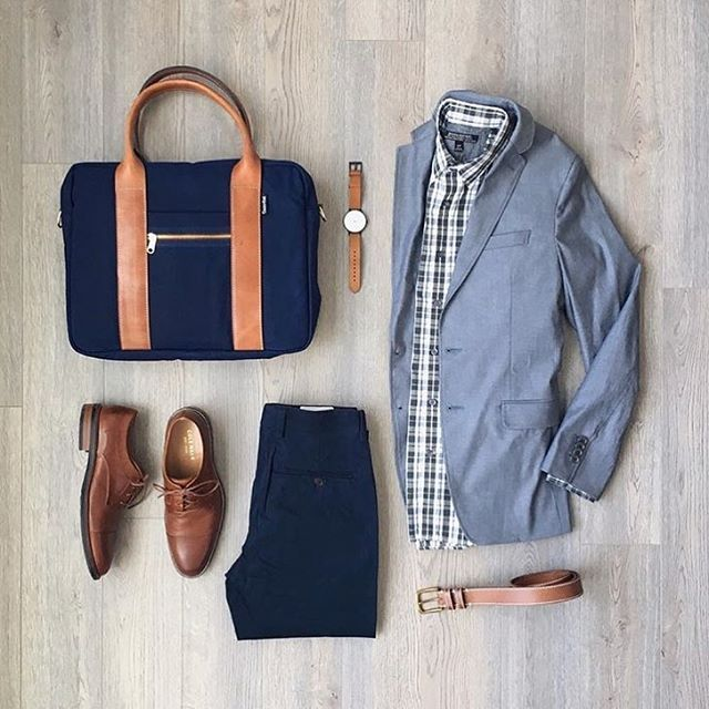 Follow @inisikpe for daily style #SuitGrid to be featured __________________________ #SuitGrid by: @mitchyasui __________________________ Tap 👉🏼📱For Brands #inisikpe Blazer/Shirt: @bananarepublic Trousers: @frankandoak Shoes: @colehaan Bag: @owenandfred Watch: @instrmntlimited