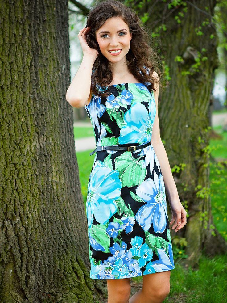 Büyük mavi çiçekli elbise - Quiosque http://subbshop.com/tr/b%C3%BCy%C3%BCk-mavi-%C3%A7i%C3%A7ekli-elbise-quiosque
