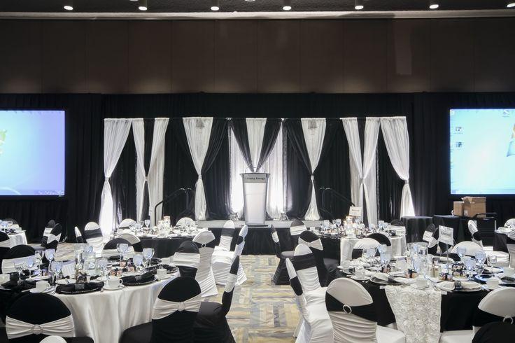 Black & white room decor, elegant black and white chair decor