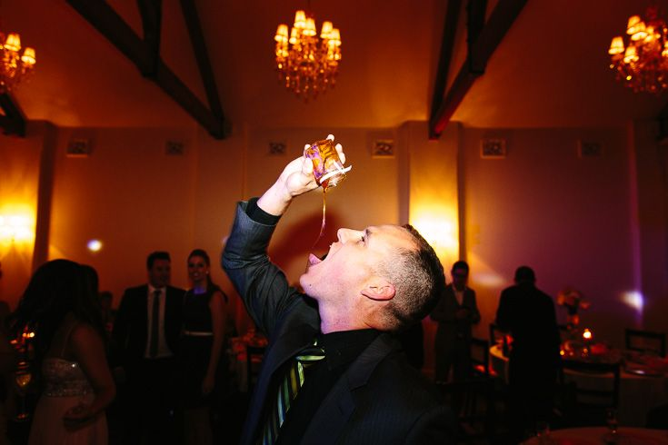 A partying wedding guest who couldn't wait to dig in to his favor (honey).