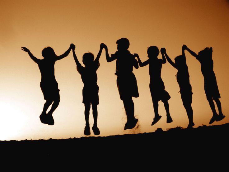 Sapersi relazionare con gli altri permette di arricchire la propria vita sempre e comunque. E per relazionarsi non si intende intessere relazioni attravers