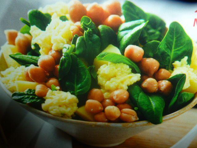 Uova strapazzate con ceci spinaci
