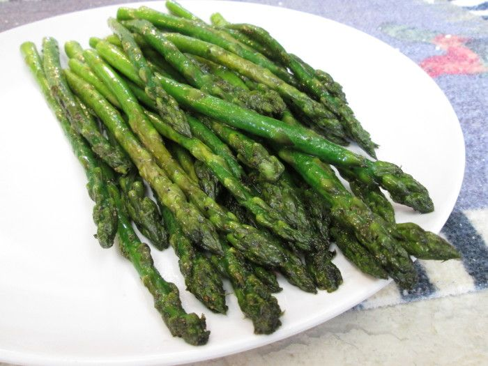 A delicious Pan Fried Asparagus Recipe cooked in only 5 minutes!