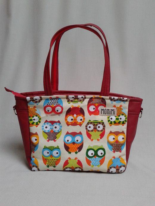 Amerikai #design vászon és bordó textilbőr kombinációja. Hozzá illő szemüvegtok és mobiltartó is kérhető. City-bag női #táska.