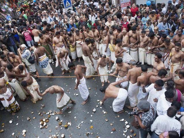 +Plus de critères » RENTRÉE 2014 / 2015 : JE TROUVE MON COURS » Accueil / Événements / La Fête de Ganesh