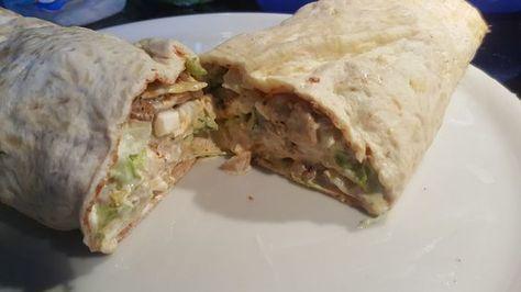 Gyros Rolle - Low Carb - Keto - Trennkost mit frischem Eisbergsalat Salat, Tomaten, Gurke, Schafskäse und einem selbst gemachten Tsatsiki ... mega lecker