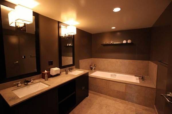 Luxe Hotel Sunset Boulevard Bathroom