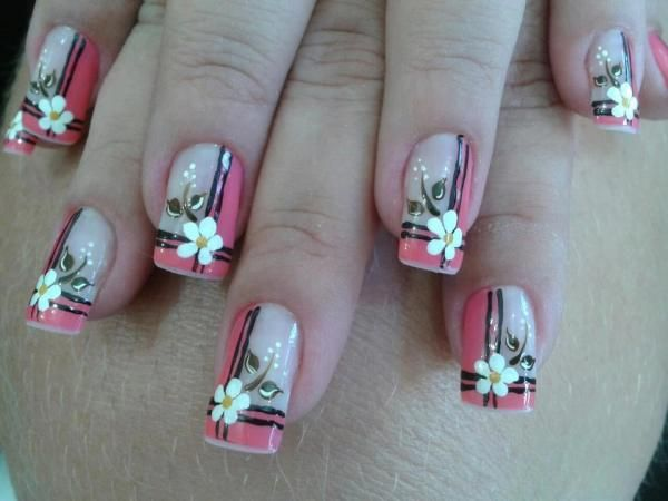 Unhas decoradas com flores                                                                                                                                                                                 Mais