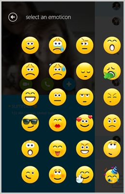 how to add emojis to facebook status