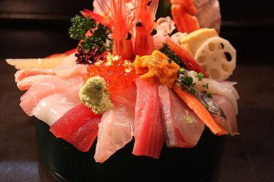 山さん寿司 1日で金沢を食べ尽くす!グルメ重視のおすすめ観光スポット♡ MERY [メリー]