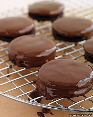 Chocolate Mint Sandwiches - Martha Stewart RecipesChocolate Mints, Thin Mint, Sandwiches Cookies, Chocolates Cookies, Cookies Recipe, Mint Cookies, Mint Sandwiches, Sandwiches Recipe, Chocolates Mint
