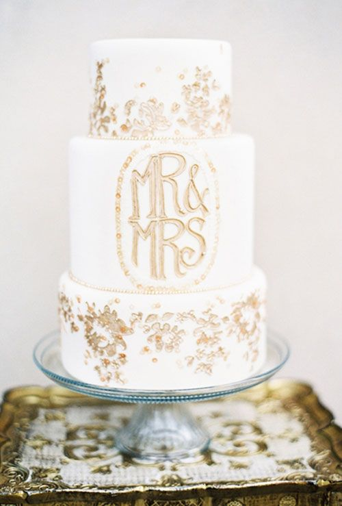 Every word you need to know to understand wedding cakes (there aren't too many!) | Brides.com