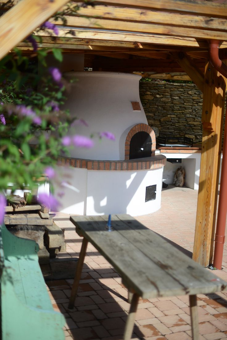 Kemence Lugas / Oven Garden #vintage #garden #placetostay