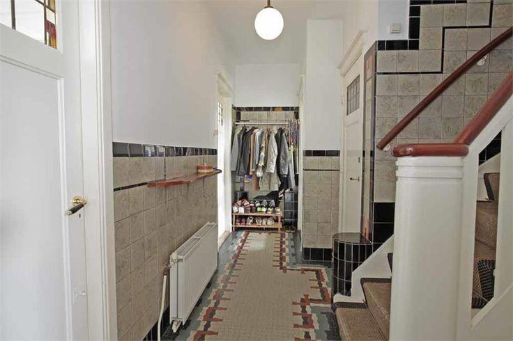 122 best images about tegels jaren 30 on pinterest art deco earthenware and toilet - Deco gang huis ...