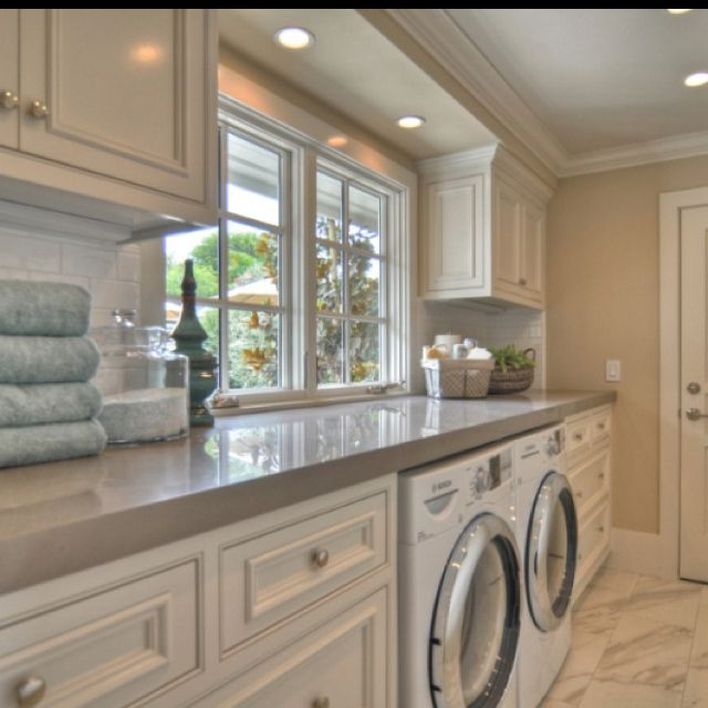 Amazing laundry room: Traditional Design, Dreams Laundry Rooms, Idea, Window, Countertops, Counter Spaces, Laundry Rooms Design, Spaces Design, White Cabinets