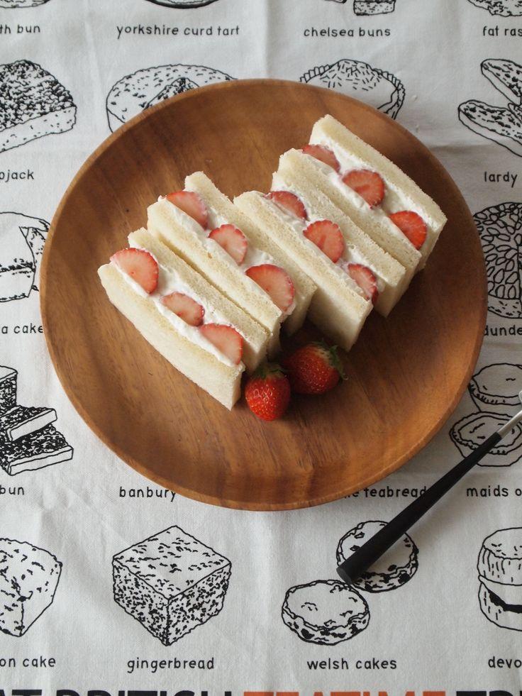 水切りヨーグルトといちごのサンドウィッチ by 神田依理子 | レシピサイト「Nadia | ナディア」プロの料理を無料で検索