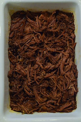 Shredded Mexican Beef Ingredients: •3 pound boneless chuck roast •1 (7 ounce) can diced green chiles •2 tablespoons chili powder •1 teaspoon dried oregano •1 teaspoon ground cumin •2 cloves garlic, minced •salt and pepper to taste