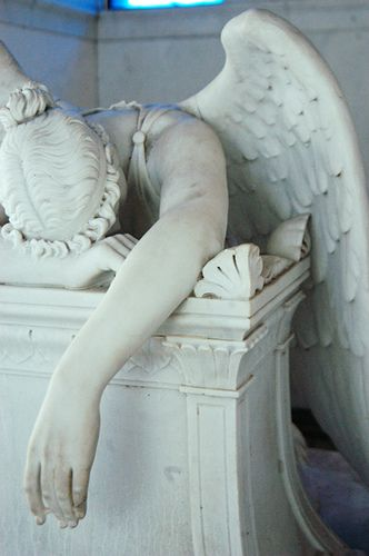 anchorsandmoons: Weeping Angel….