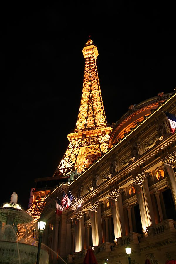 Eiffel tower paris hotel las vegas print by jon berghoff for Hotels by the eiffel tower