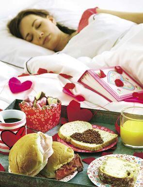 Wil jij ook je moeder verwennen met ontbijt op bed op #Moederdag? Bekijk de lekkere producten van #Hema in de folder op www.reclamefolder.nl.
