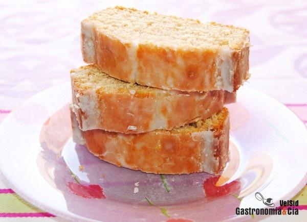 Bizcocho de canela y limón: Desserts, Cake, Recetas Masa, Recipe, Tarta Bizcocho Pastel, Bizcocho Esponjoso, De Canela, Tartas Bizcochos Pasteles, Bizcochos Cakes