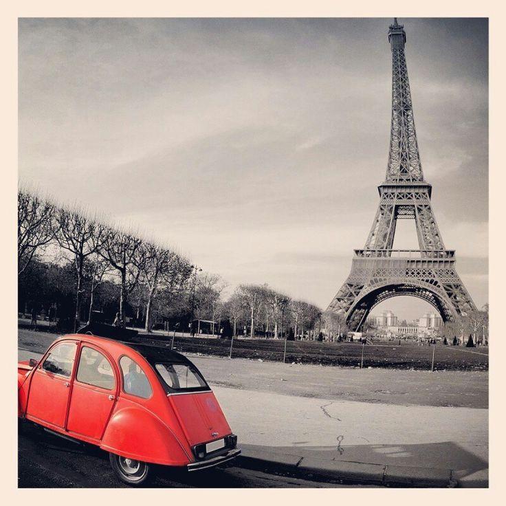 a splash of red..Paris