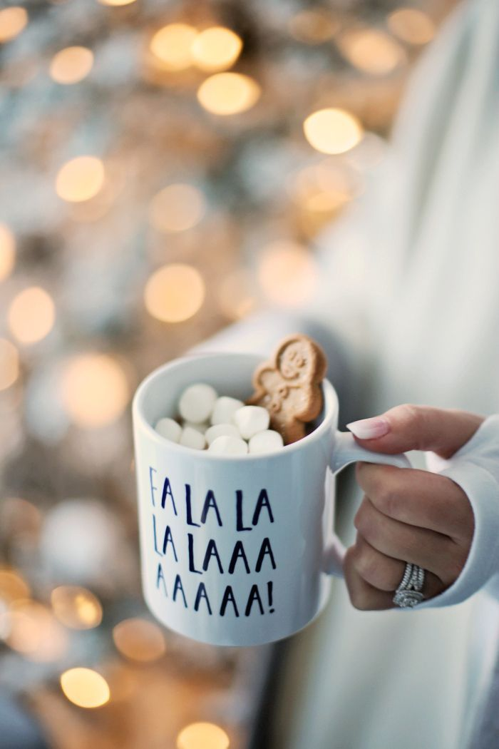 Happiness = Christmas carols, hot cocoa with extra marshmallows, and gingerbread cookies. Image: SS Life + Style