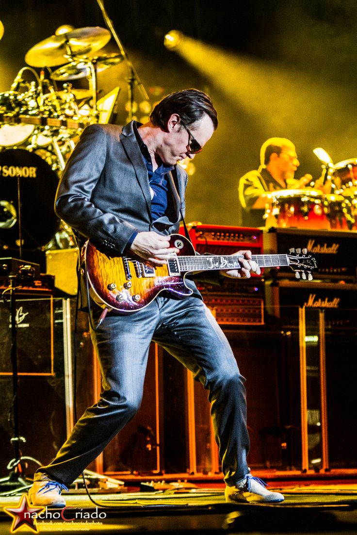 Joe Bonamassa on Tour