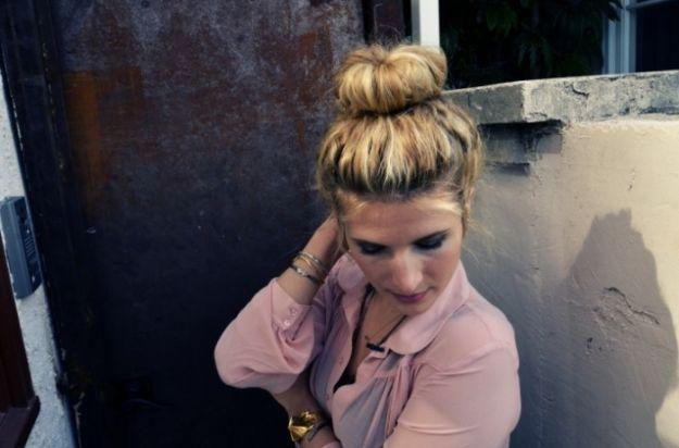 Прическа с высоким бубликом ::: onelady.ru ::: #hair #hairs #hairstyle #hairstyles