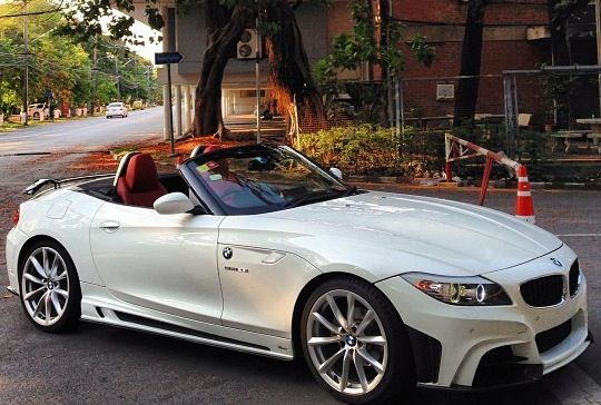 White BMW Convertible | BMW | convertible | luxury car | dream car | dream BMW
