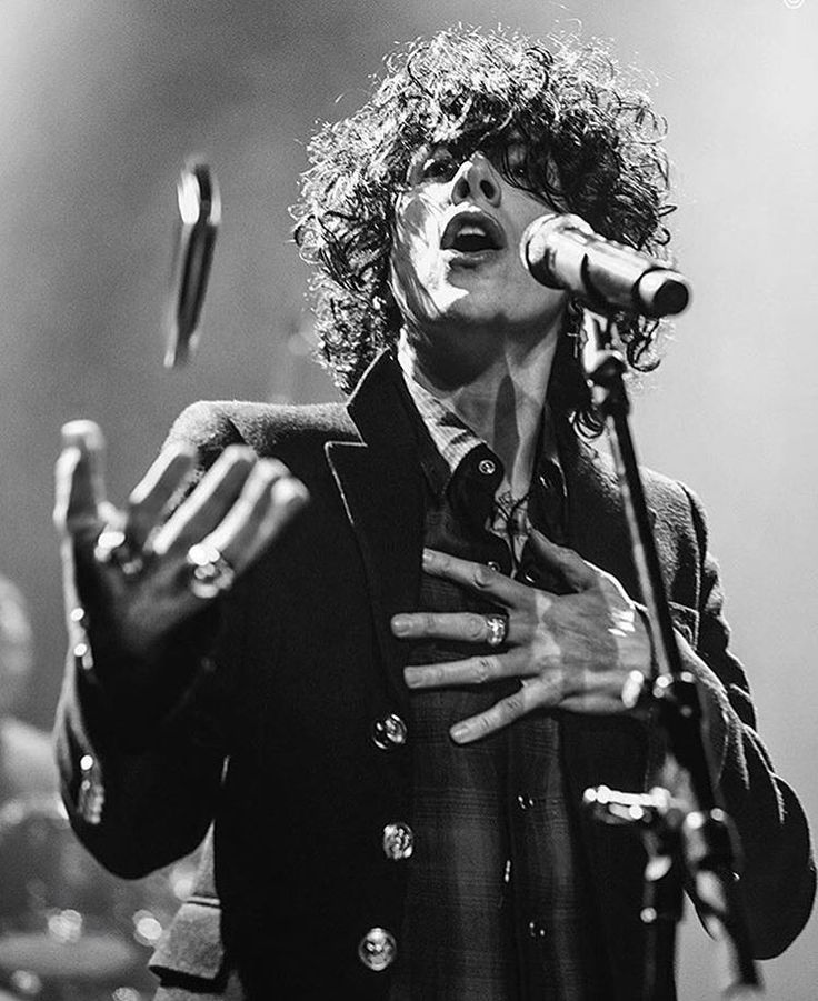Just A Few Things You Should Know About LP Before You Fall In Love With Her