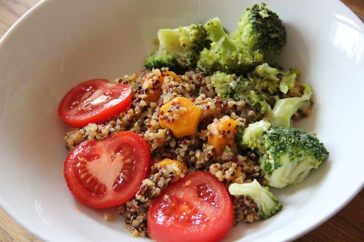 Quinoa mit Brokkoli, ein raffiniertes Rezept aus der Kategorie Dünsten. Bewertungen: 1. Durchschnitt: Ø 3,0.