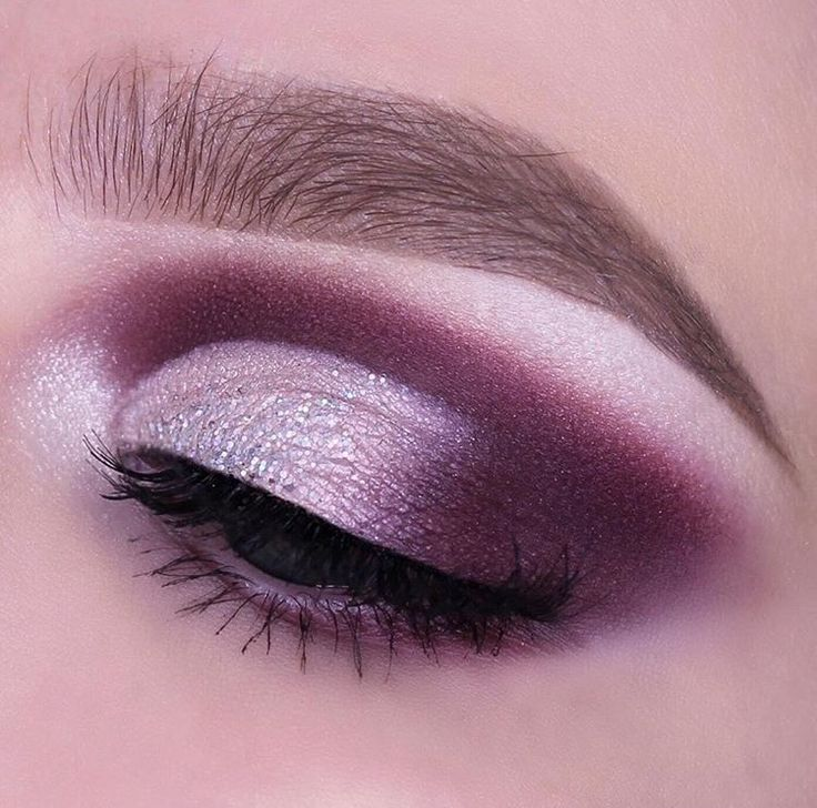 Start with adding petal pusher into the crease. Blend using Curfew, Taboo and Cherry Cola. Carve out the crease using concealer and add a light pink pigmen